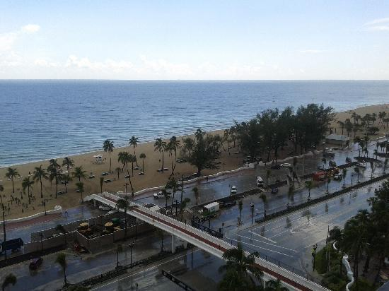 Bahia Mar Fort Lauderdale Beach - a Doubletree by Hilton Hotel: view from the ocean suite