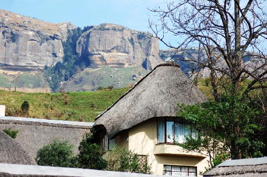 Cavern Drakensberg Resort & Spa : View on the mountain