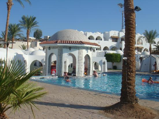 Beach Resort & Casino: Cactus Pool