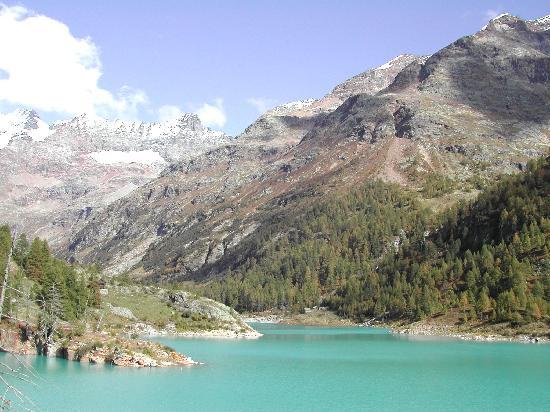 Rifugio Prarayer: Vista lago