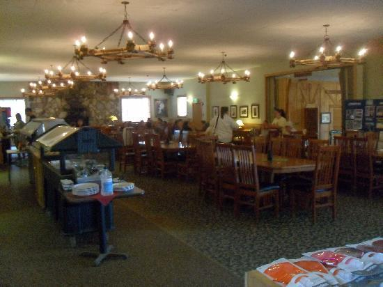 Montecito Sequoia Lodge & Summer Family Camp: Dining Hall