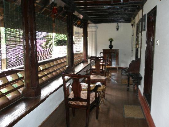 Tharavadu Heritage Home: Outside the room