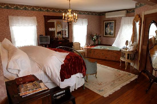 "Charles Inn: The ""Abbey"" Room"