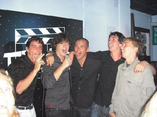 Flicks Bar: Sing on stage.....