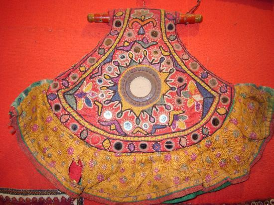 Jai Shankar Handicrafts: Traditional fan
