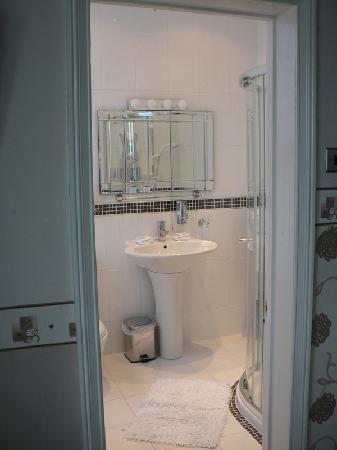 Min-y-Don Guest House: bathroom