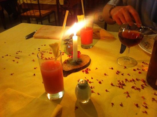 Chich Khan: dinner by candle light!