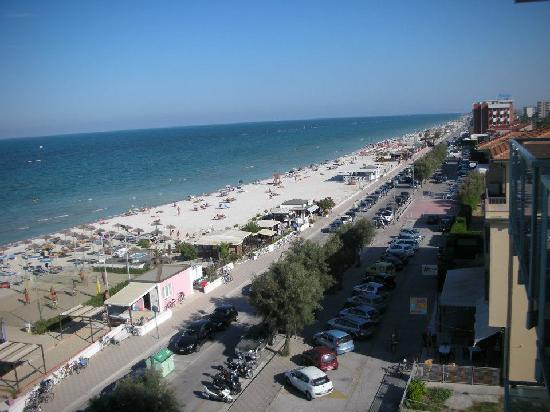 Club Meeting Hotel: Looking south towards Senigallia