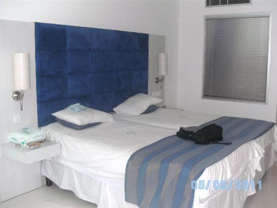 Odessa Beach Hotel: Room