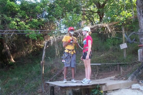 Pirates of the Caribbean Canopy Tour: Good equipment and platforms