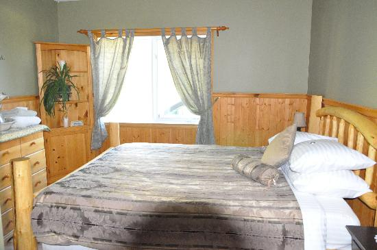 Solstice Bed and Breakfast: room 1