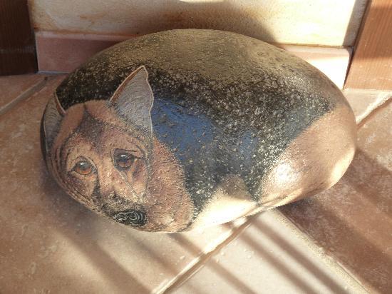 La Corte Rosada: Peinture sur une pierre