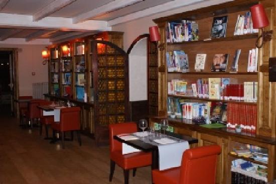 La Biblioteca: interieur biblioteca