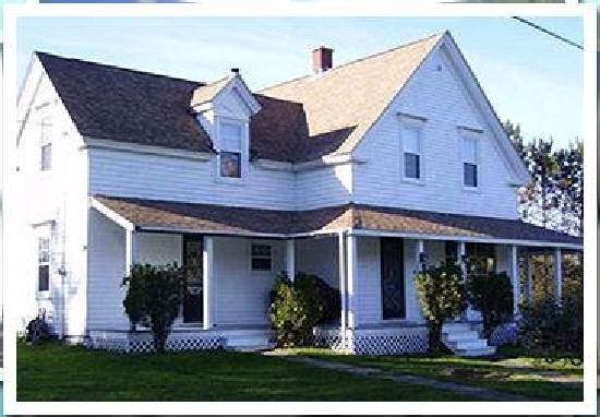 The Tourist Trap Shoppe Cafe Guest House: House