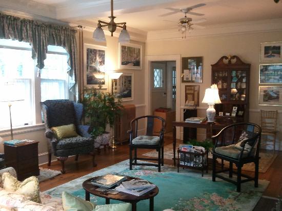 Abbington Green Bed & Breakfast Inn and Spa: Dining Room - beautiful at Brunch