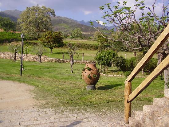 Hotel Ropino: casa rural en candeleda ropino