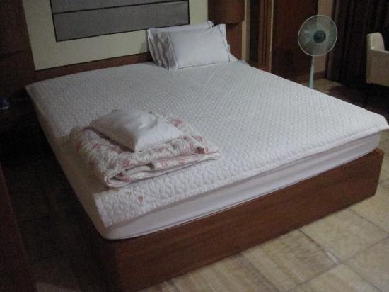 เอลิเซ่ โมเต็ล ปูซาน: the bed
