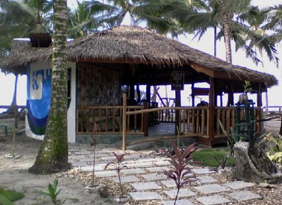 Bamboo Garden Bar and Lodging: restaurant/bar