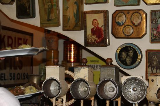 RESTOBIERES: collection impressionnante d'objets