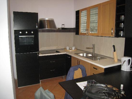 แฮปปี้ ปราก อพาร์ตเม้นท์: kitchen apt. # 5