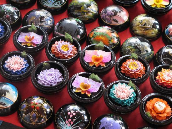 ตลาดน้ำสี่ภาค พัทยา: Which is your favourite flower?