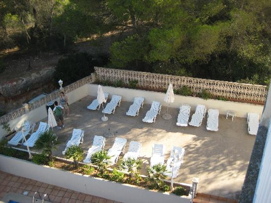 Hotel Palma Mazas: Sunbathing area