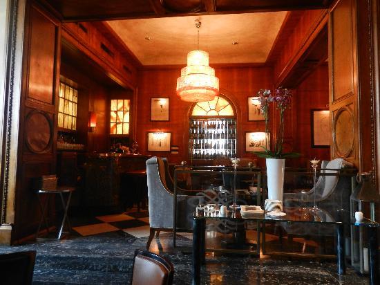เดอะเวสทิน เอ็กซ์เซลซิเออร์ ฟลอเรนซ์: gorgeous bar