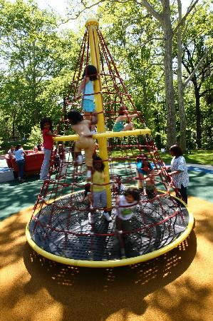 Smith Kids Play Place (Playground & Mansion): Apollo Spinner
