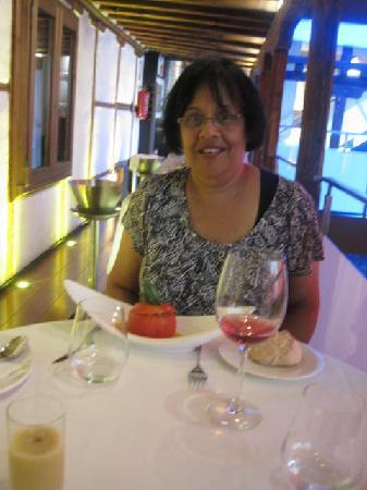 Restaurante Alfileritos 24: Wine and excellent food