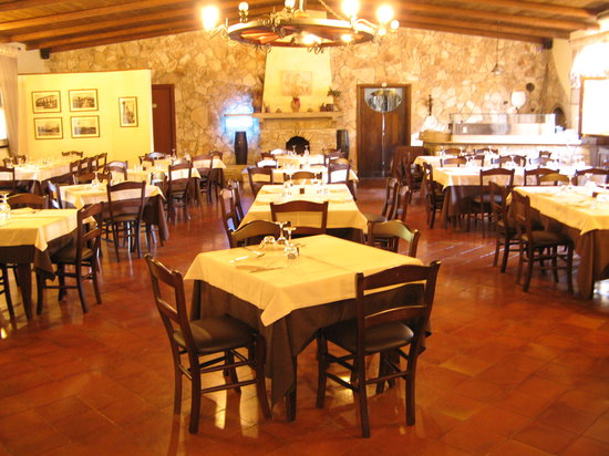 Ristorante Tenuta La Maddalena: Restaurent indoor seating