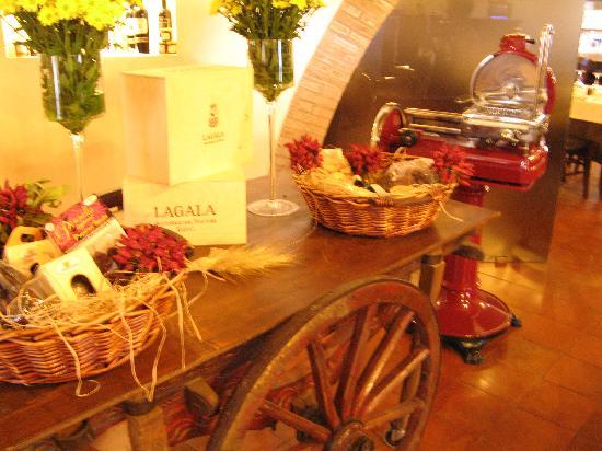 Ristorante Tenuta La Maddalena: Local products