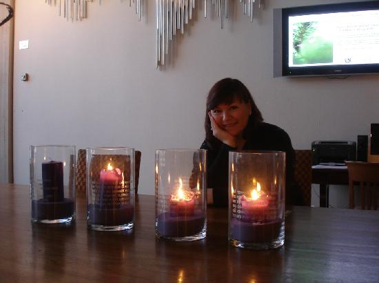 Scandic Holmenkollen Park: candles ....