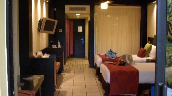 Ocean Coral & Turquesa: A small view of our room.  Exactly as described!