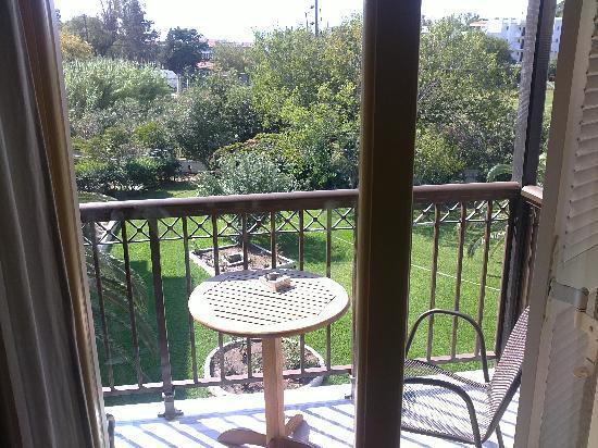 Astoria Hotel: Balcony view of garden