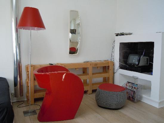 Corso Como Otto: Corso Como 11 Designer Chair and Lamp