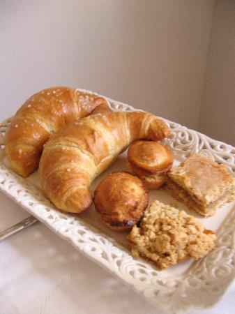 Balconcino d'Oriente B&B: Part of the fresh breakfast