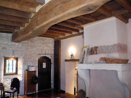 Domaine de Moulin Madame : beautiful beams in our room