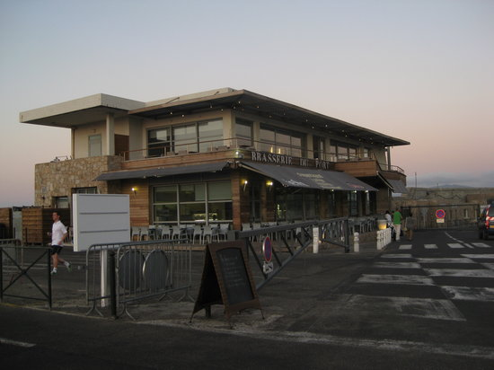 Brasserie Du Port: The Restaurant