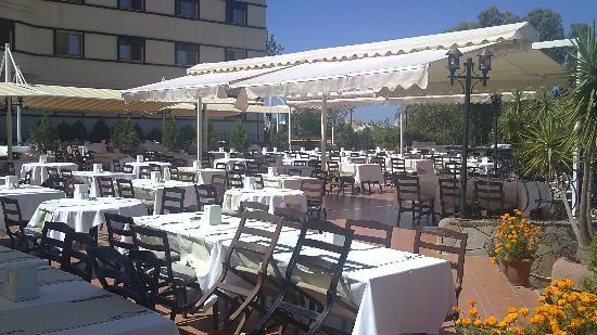 The Sense De Luxe Hotel: Salle à manger
