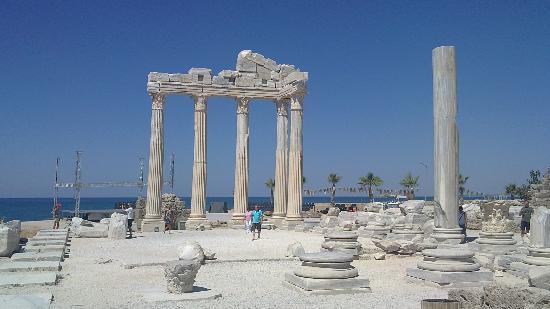 The Sense De Luxe Hotel: Temple d'Apollon (Side)