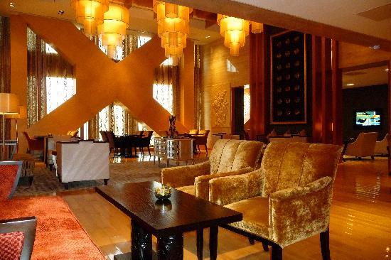 โรงแรมแฟร์มอนท์ ปักกิ่ง: Beautiful Gold Lounge