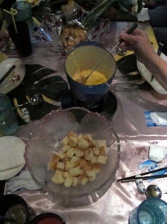Pure Lotus Vegetarian (Changhong Qiao): cheese fondue
