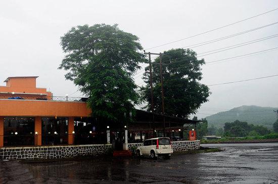 Dara's Dhaba - Bohirpada