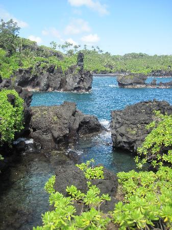 Hike Maui: View at Black Sands Beach