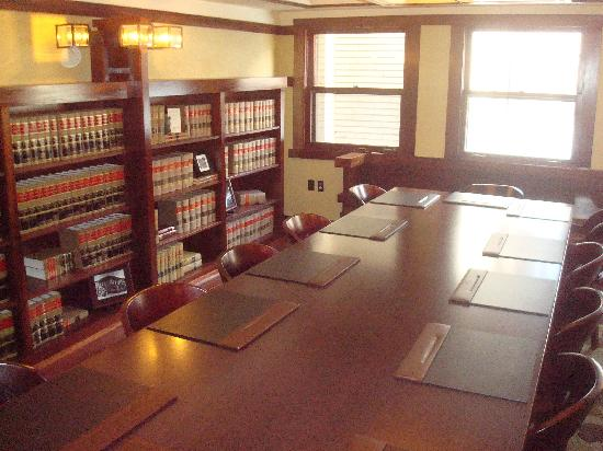 Historic Park Inn Hotel: Renovated conference room