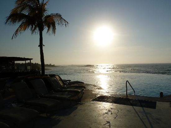 Four Seasons Resort Punta Mita: beautifull infinity pool...there is also an adults only pool