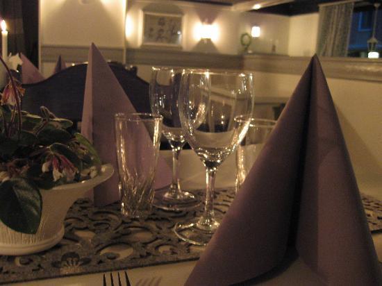 Hotel Siljan: Middags bild från restaurangen