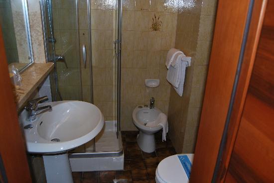 อโปเกีย ซิริโอ เวนิซ: Salle de bain
