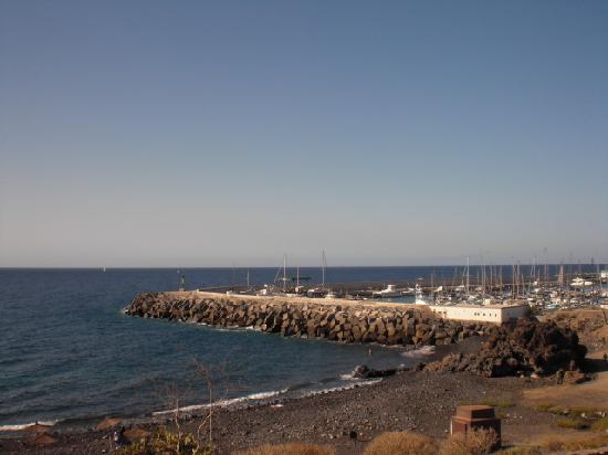 Aguamarina Golf Apartments: View of harbour from apartments