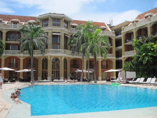 Sofitel Legend Santa Clara: view of the pool area